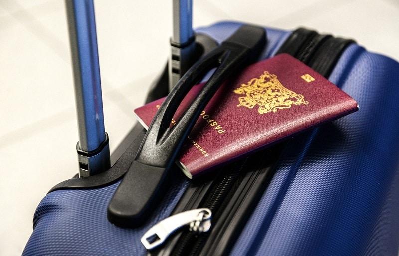 Mala e passaporte