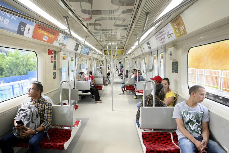 Interior do metrô em Salvador