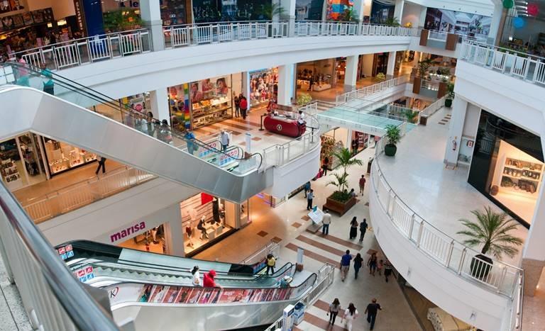 Interior de shopping em Salvador