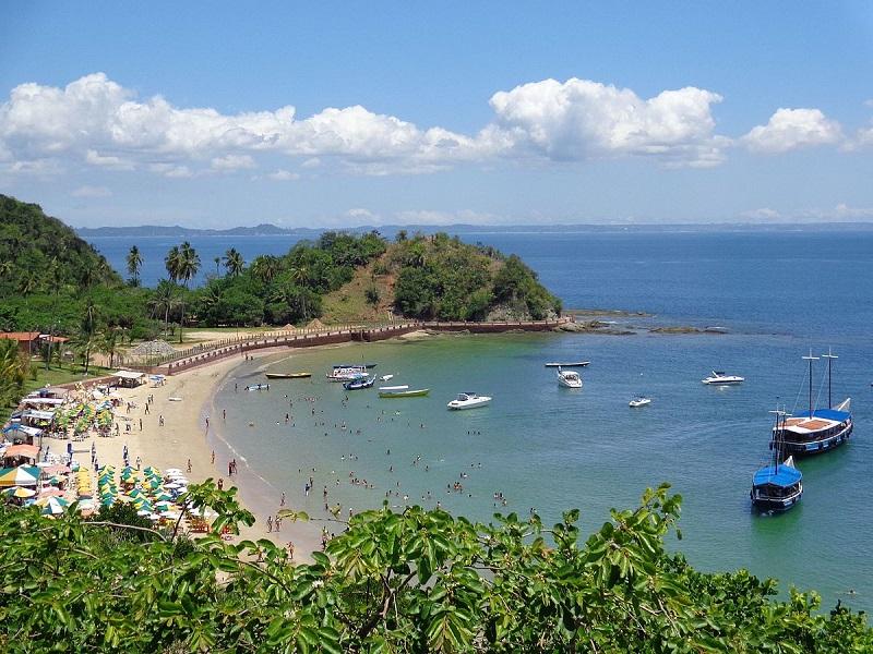 Praia de Paramaná em Ilha dos Frades