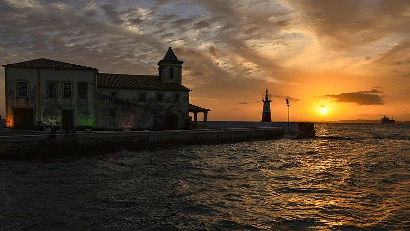 Pôr do sol na Ponta do Humaitá em Salvador